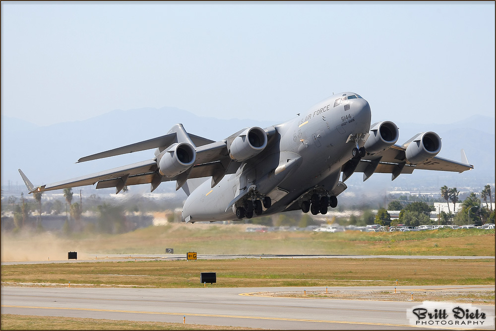 Whats the difference between C130 j and C17 Globemaster